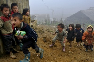 H ' mong children and sapa