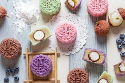 10 gorgeous mooncakes that will light up your Mid-Autumn
